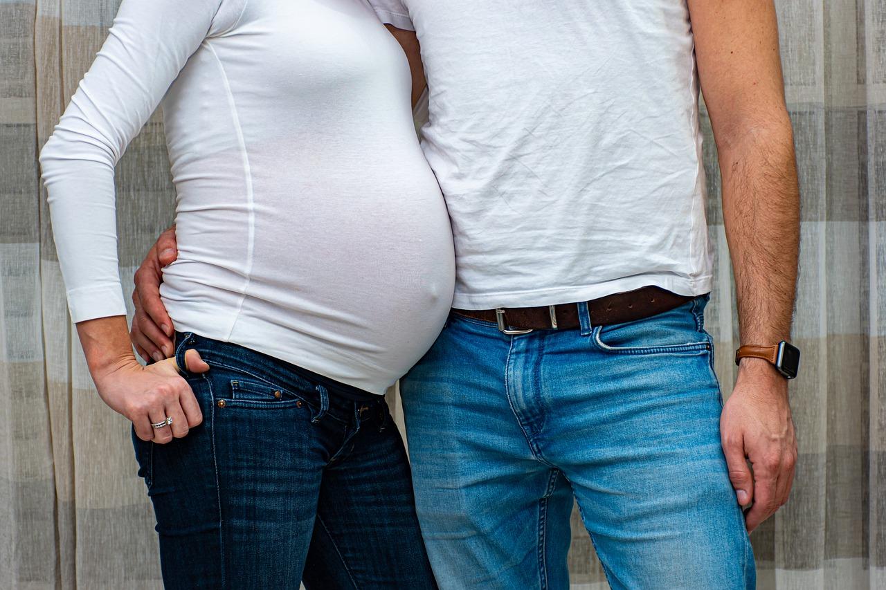 Ventre d'une femme enceinte